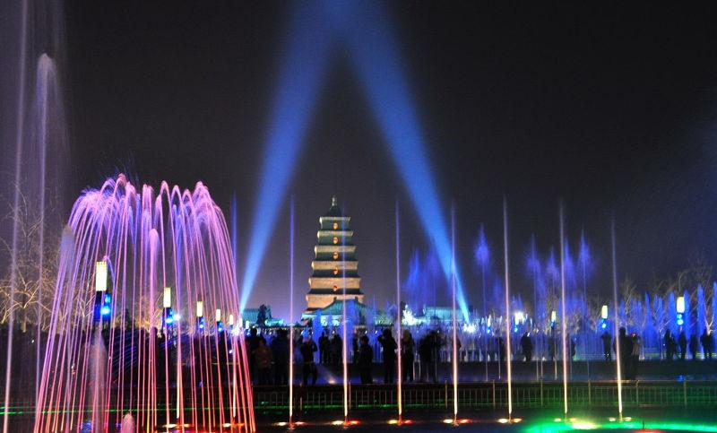西安大雁塔矩阵喷泉