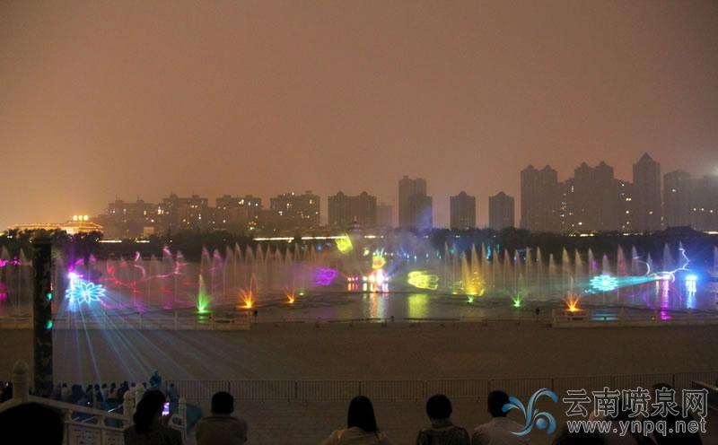 音乐喷泉中水幕电影是如何实现的