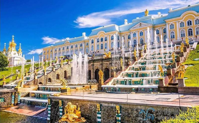 俄罗斯脑洞大开的夏宫大瀑布—喷泉设计